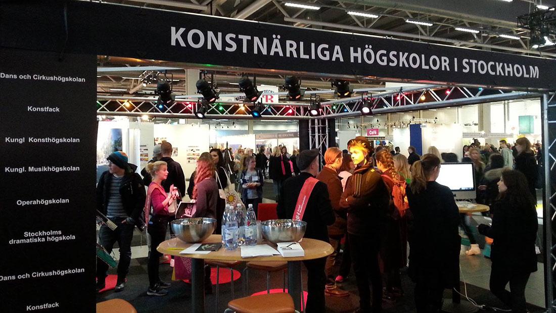 dating stockholm mcdonalds älvsjö öppettider