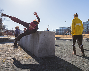 Tone Pernille Østern, parkour. Photo: ANDY DAY